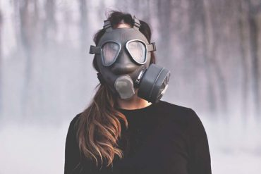 Giù la maschera