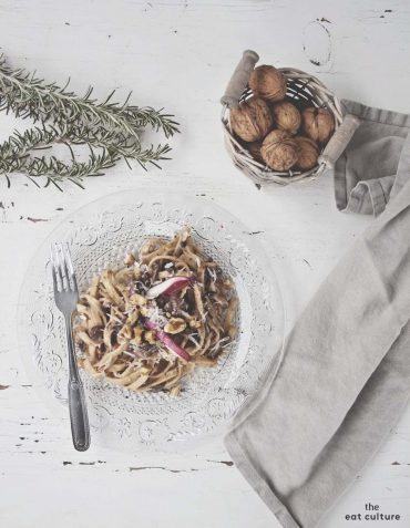 scialatielli pasta with walnut sauce and red chicory