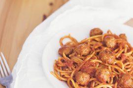 La ricetta degli spaghetti con le polpette è musica per la tua bocca