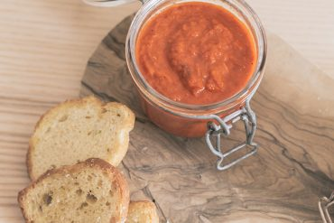La ricette di casa: la salsa ajvar, la crema ai peperoni che viene dai Balcani.