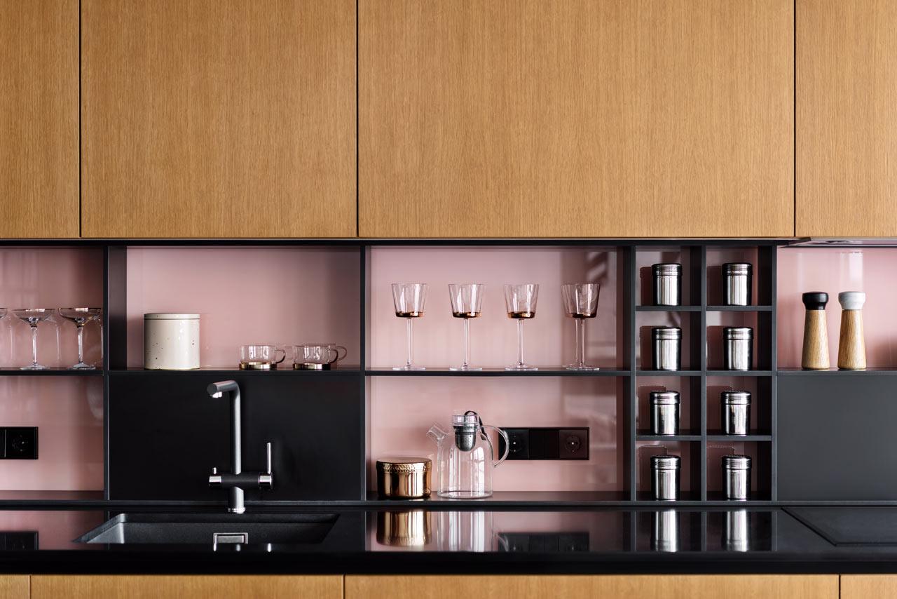 Cucina rosa appartamento Kiev