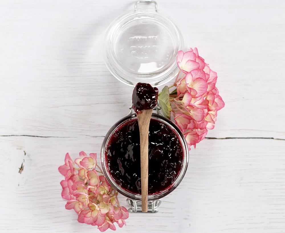 Marmellata di ciliegie allo zenzero e vaniglia - la ricetta (con poco zucchero e senza Fruttapec)