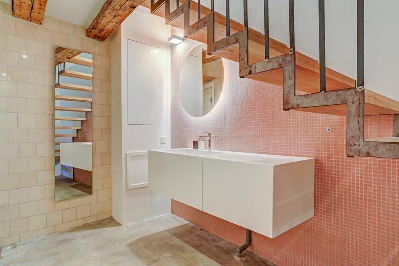 bagno loft con mosaico
