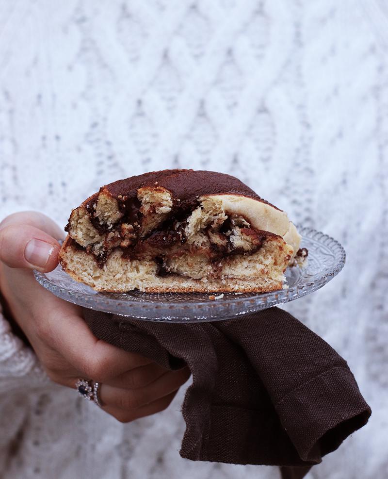 Colazione di Natale: la treccia di pan brioche al cioccolato e nocciole