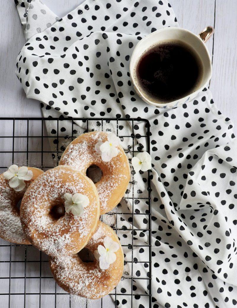ciambella o donuts la ricetta per farlo in casa